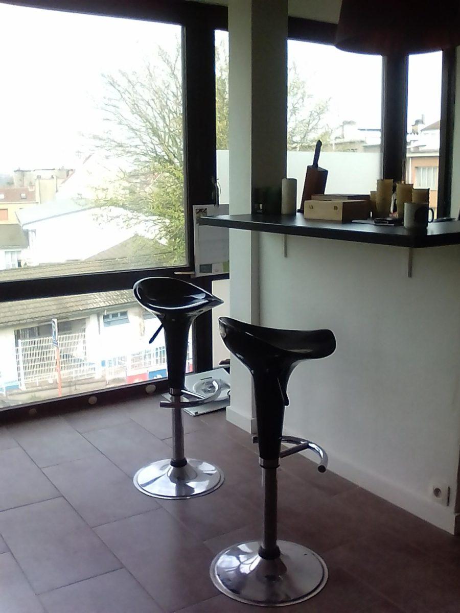Une chambre louer 350 50 dans un appartement lumineux de 2 chambres habitat group - Appartement a louer une chambre ...